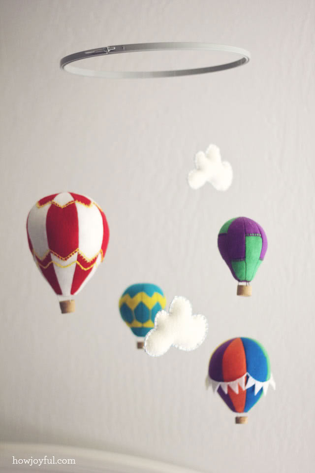 Amazing Air Balloon DIY Mobile With Wine Cork Baskets
