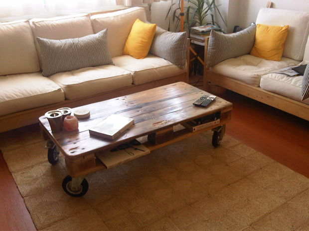 2-5-diy-wooden-pallet-coffee-tables