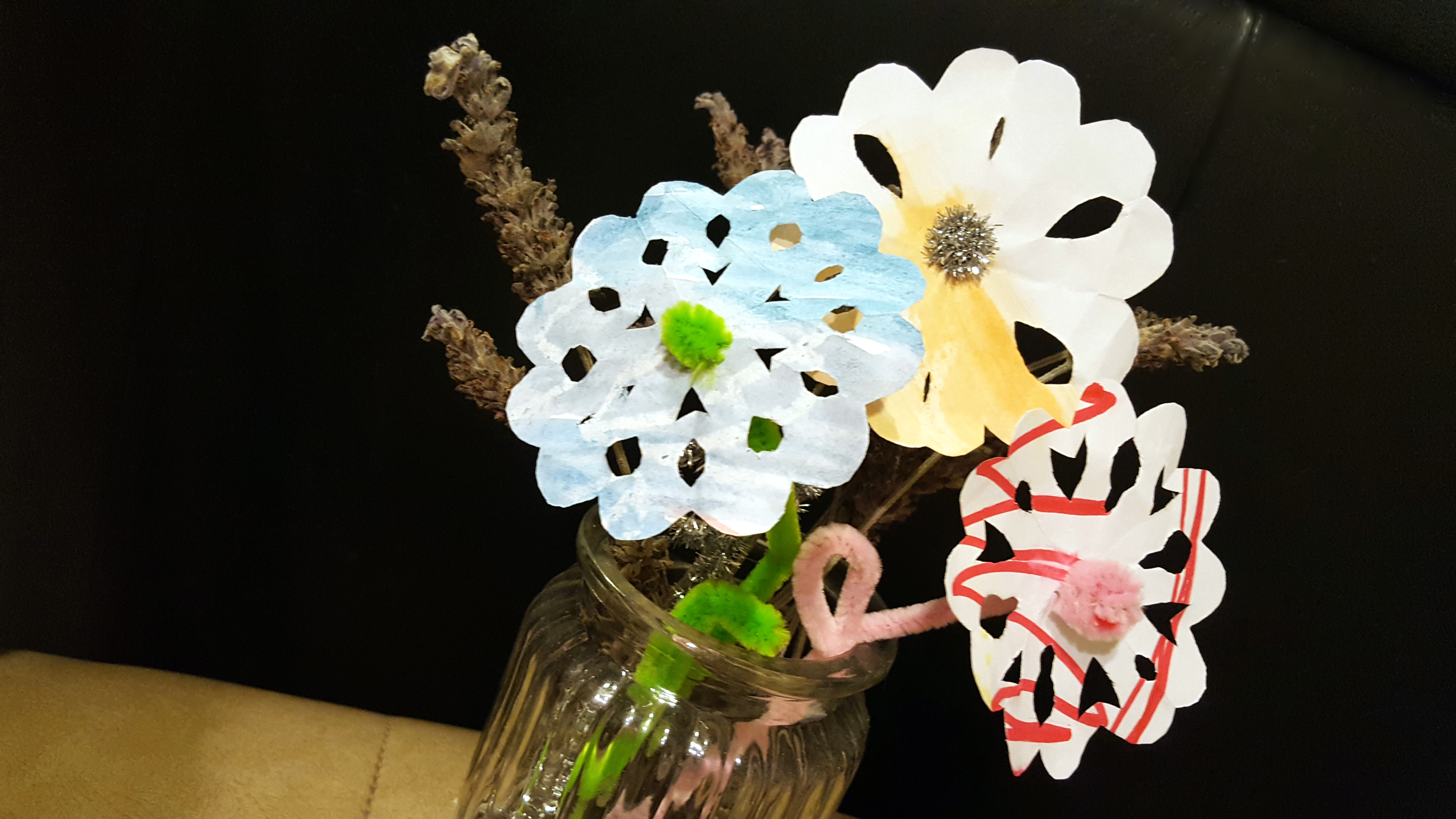 Diy paper and pipe cleaner flowers diy thought diy paper and pipe cleaner flowers mightylinksfo