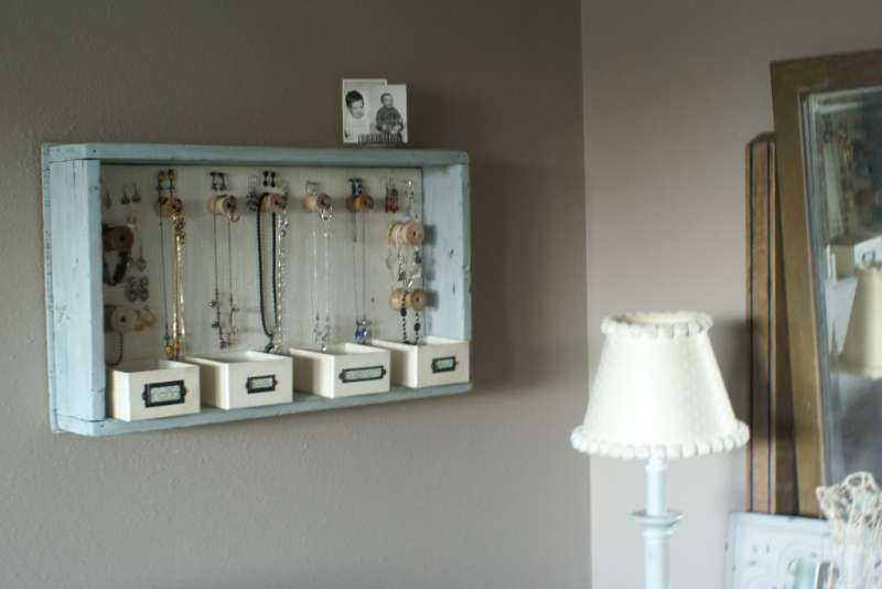 6 unique diy jewelry displays diy thought for Diy hanging picture display