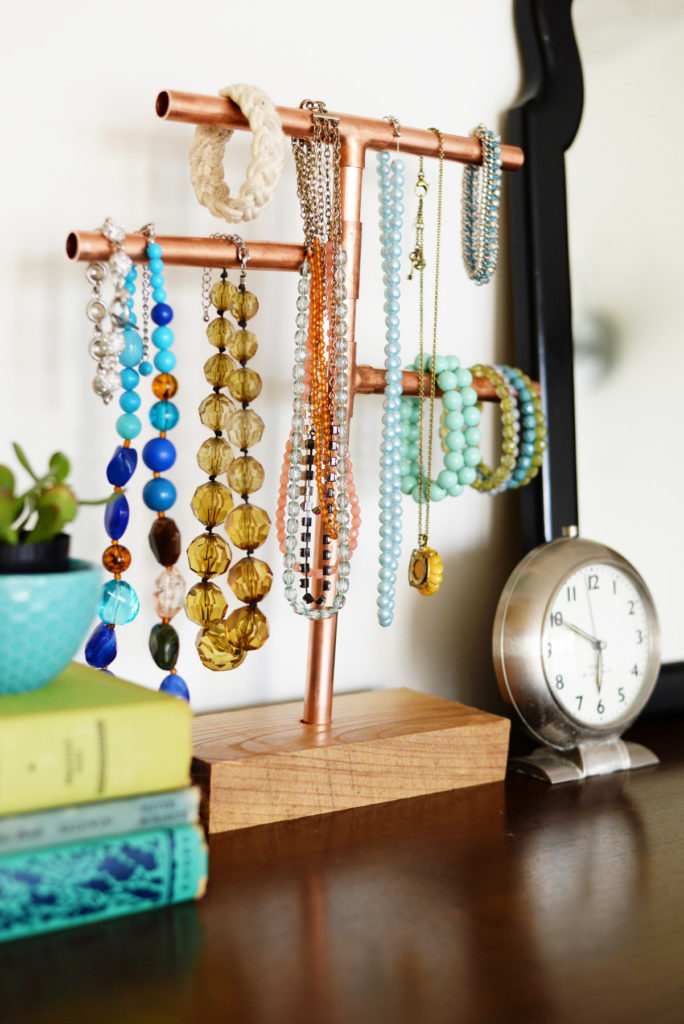 6-Unique-Diy-Jewelry-Displays