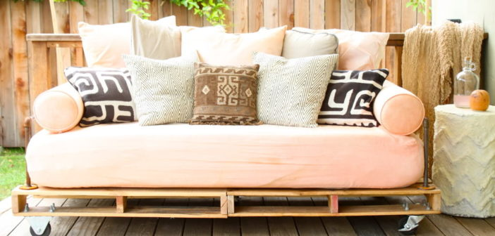 6 Diy Pallet Outdoor Living Items You Need