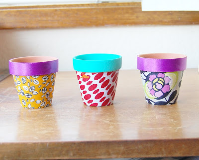 Grab some fabric and mod podge to create one of these funky flower pots. Perfect for indoor plants. Click here to find out more. & 7 Amazingly Decorated Diy Flower Pots - diy Thought