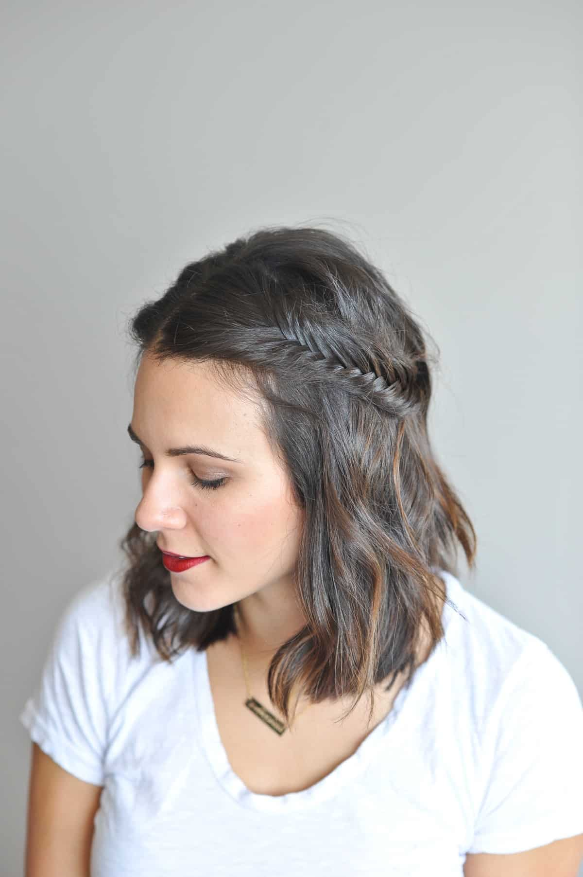 How to stylish make hair plates recommend to wear in autumn in 2019