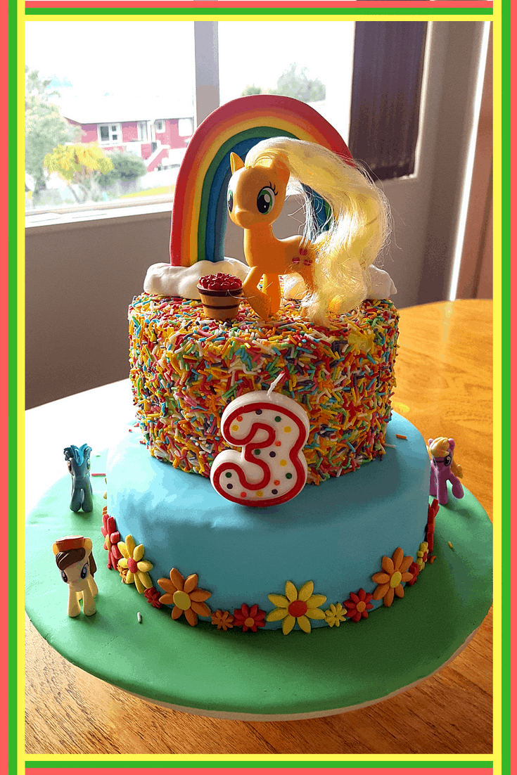 I Am No Cake Decorator So Last Year Kept It Simple And Made This My Little Pony The Flowers Were Using A Fondant Flower Cutter Ponies All