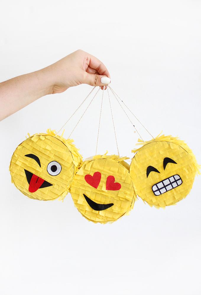 mini emoji pinata