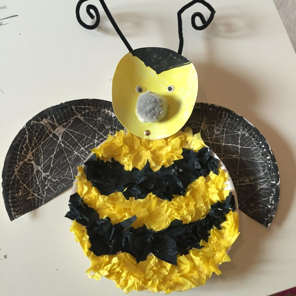 paper plate bumblebee