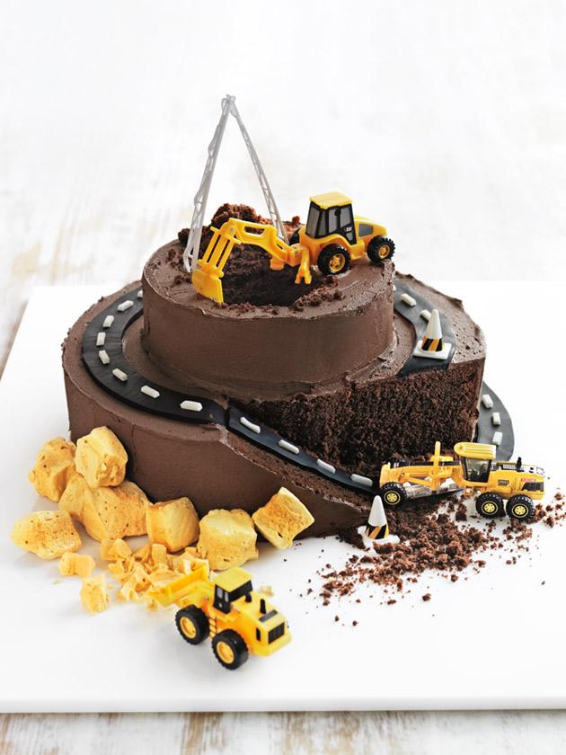 truck mountain cake
