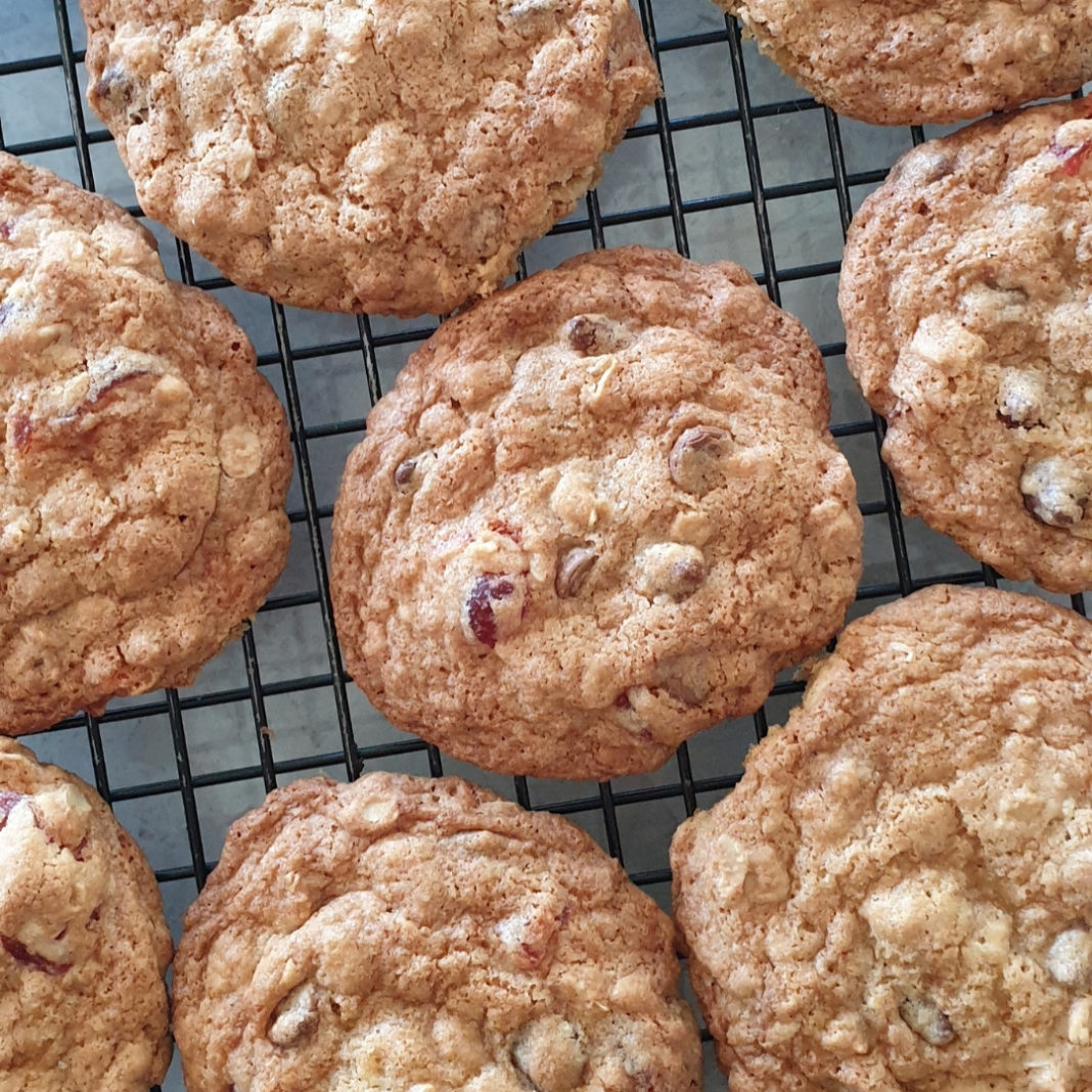Cherry chocolate oat cookies