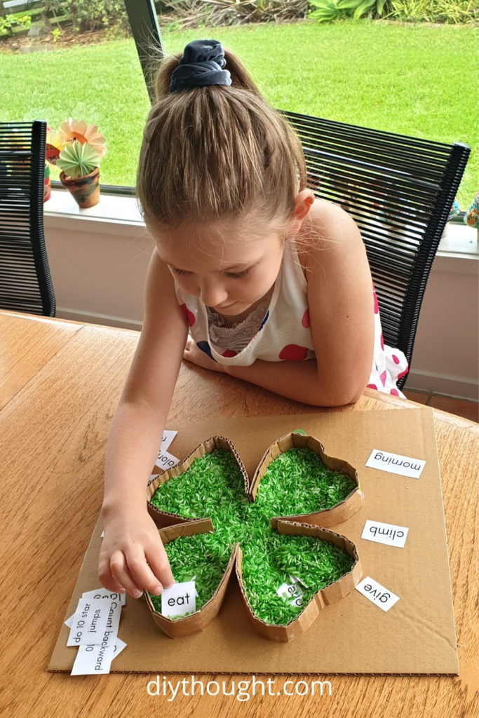 playing the four leaf clover sight word game